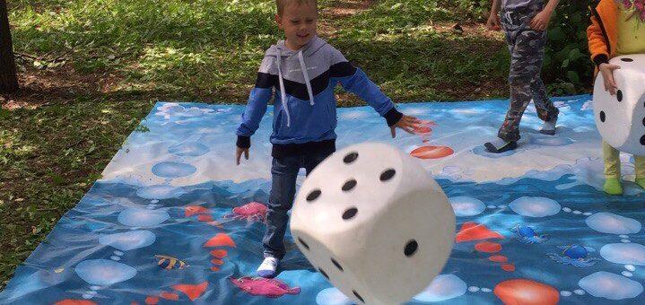 Огромные напольные игры для детей